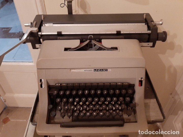 R 2478 MÁQUINA DE ESCRIBIR HISPANO OLIVETTI.- LÍNEA 90.- FUNCIONA (Antigüedades - Técnicas - Máquinas de Escribir Antiguas - Olivetti)