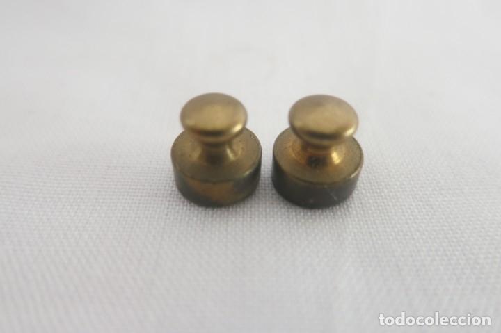 Antigüedades: dos pesas de 2 gramos antiguas - Foto 3 - 177054483