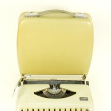 Antigüedades: MAQUINA DE ESCRIBIR ADLER TIPPA AÑO 1965 TYPEWRITER SCRHEIBMASCNINE. Lote 177180449