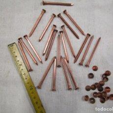 Antigüedades: 20 PUNTAS CLAVOS ANTIGUOS Y REMACHES, COBRE, 7CM, SECCION CUADRADA 4X4MM PESO 216GR, EXCELENTE +. Lote 177192272