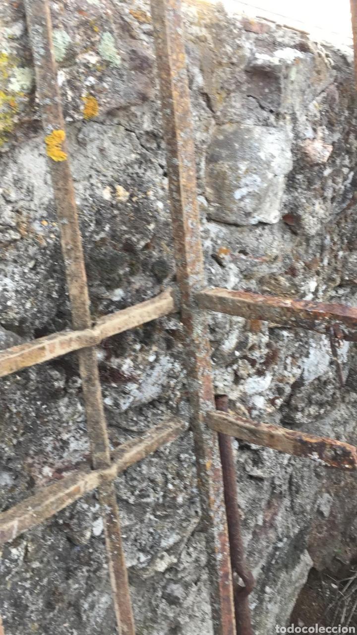 Antigüedades: Gran reja de ventana del s. XVII realizada en forja. - Foto 7 - 146829874