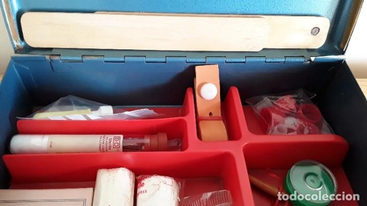 Antigüedades: Botiquín en caja metálica - Foto 3 - 177209692