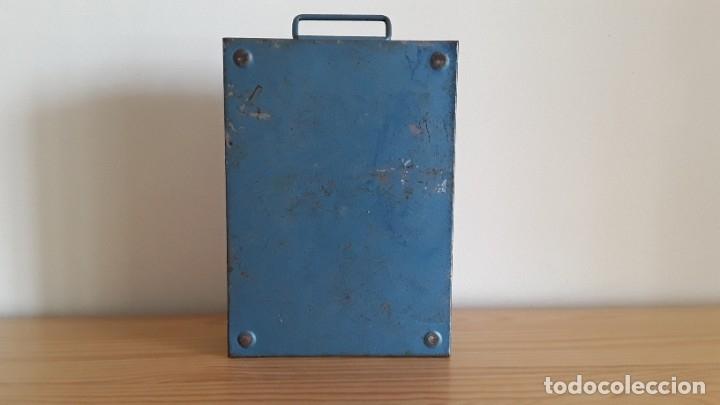 Antigüedades: Botiquín en caja metálica - Foto 6 - 177209692