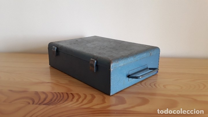 Antigüedades: Botiquín en caja metálica - Foto 8 - 177209692