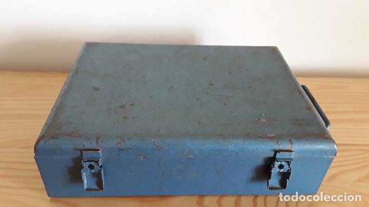 Antigüedades: Botiquín en caja metálica - Foto 10 - 177209692
