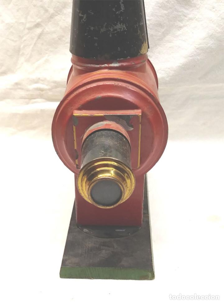 Antigüedades: Linterna Mágica S XIX hojalata y latón completa, 3 cristales y con caja de origen - Foto 7 - 177337284
