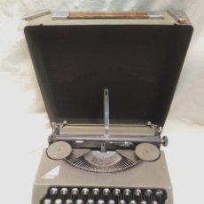 Antigüedades: MAQUINA DE ESCRIBIR HERMES BABY SUIZA DE 1938 1ER MODELO, COMPLETA FUNCIONA. Lote 177337564