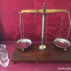 Antigüedades: ANTIGUA Y EXCLUSIVA BALANZA DE FARMACIA SIGLO XIX. Lote 177372785