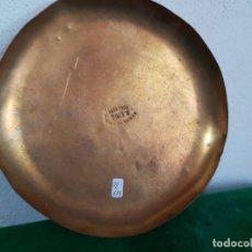 Antigüedades: PLATO DE LATON DE 20 CM PARA BALANZA O ROMANA MARCADO. Lote 177384982