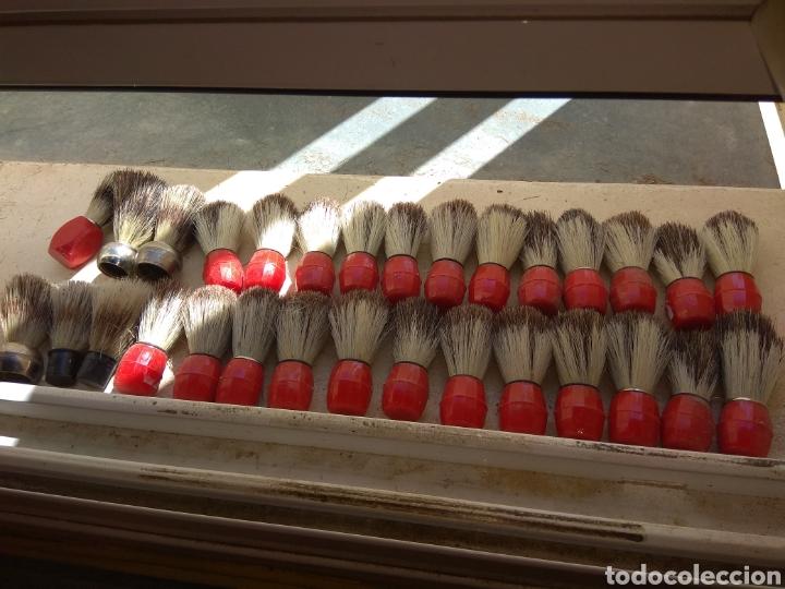 LOTE DE 30 BROCHAS DE AFEITAR - BARBERO - LEER DESCRIPCIÓN - (Antigüedades - Técnicas - Barbería - Varios Barbería Antiguas)
