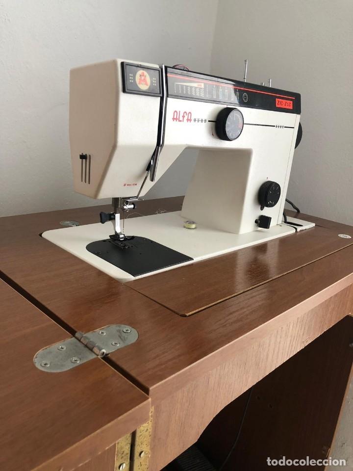 Antigüedades: Máquina de coser Alfa - Foto 2 - 177655459
