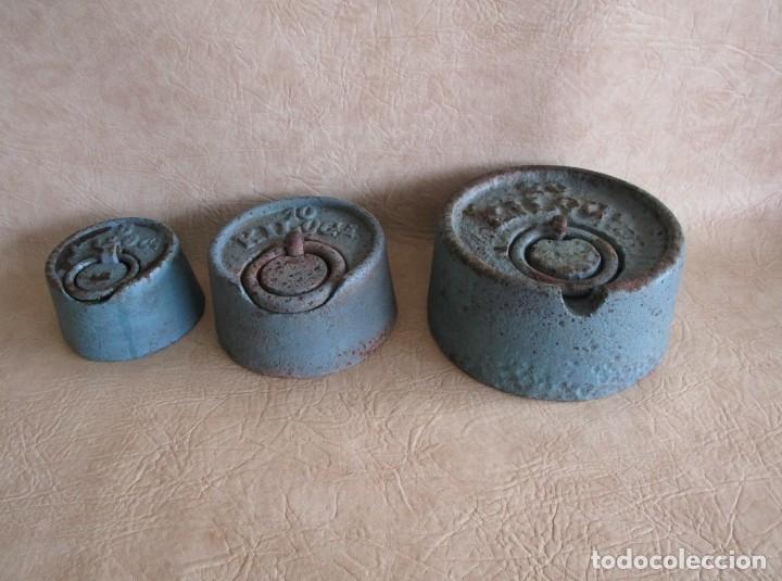 LOTE 3 GRANDES PESAS 20 10 Y 5 KILOS PESA (Antigüedades - Técnicas - Medidas de Peso Antiguas - Otras)