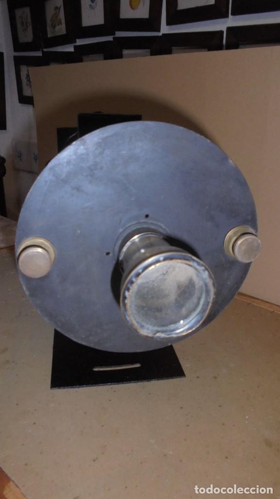 Antigüedades: (M) ANTIGUO APARATO OPTICO MARCA GAUMONT PRINCIPIO S. XX DE METAL , HIERRO 2 LUPAS ABIERTO 80 CM. DE - Foto 3 - 177823838