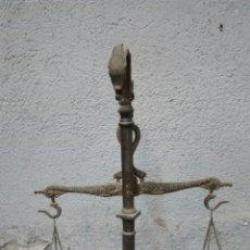 Antigüedades: BALANZA ANTIGUA DE BRONCE. Lote 177864695