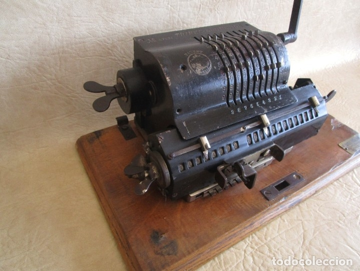 Antigüedades: antigua maquina de calcular calculadora venancio guillamet trinks brunsviga - Foto 6 - 91572195