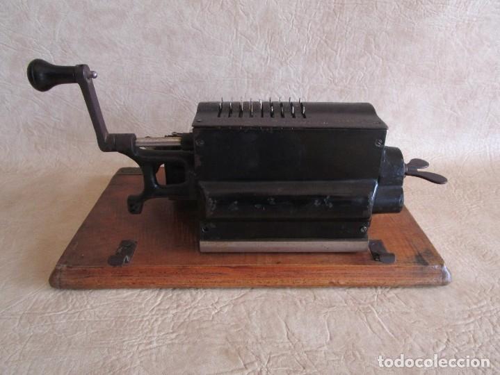 Antigüedades: antigua maquina de calcular calculadora venancio guillamet trinks brunsviga - Foto 9 - 91572195