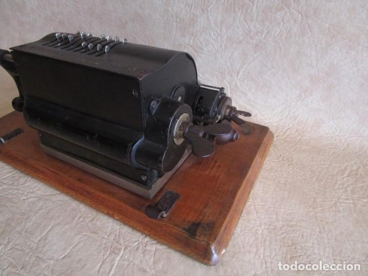 Antigüedades: antigua maquina de calcular calculadora venancio guillamet trinks brunsviga - Foto 10 - 91572195