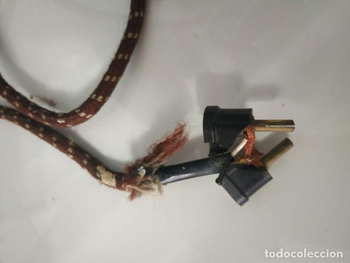 Antigüedades: Plancha eléctrica marca fuego n° 18. 125V - Foto 4 - 178036265