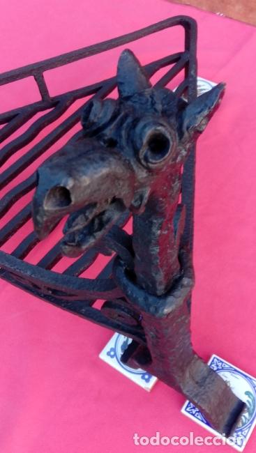 Antigüedades: MORILLOS DE FORJA S. XIX CON PARRILLA, EN HIERRO FORJADO. DIMENSIONES.- 62.5X55X39 CMS - Foto 7 - 178163302