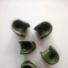 Antigüedades: CINCO SUJETA CABLES ELECTRICIDAD DE CERÁMICA. Lote 178324196