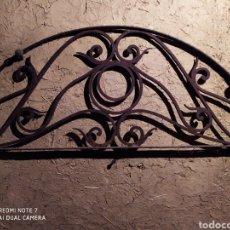 Antigüedades: REJA SEMICIRCULAR EN PURA FORJA, SIGLO XVIII, VER. Lote 178393766