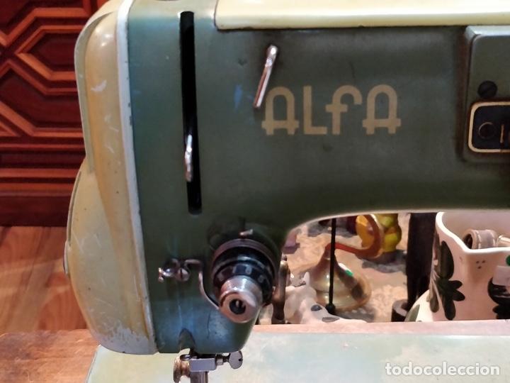 Antigüedades: Máquina de coser ALFA - Alfamatic 103-3- sin motor - Foto 3 - 178441167