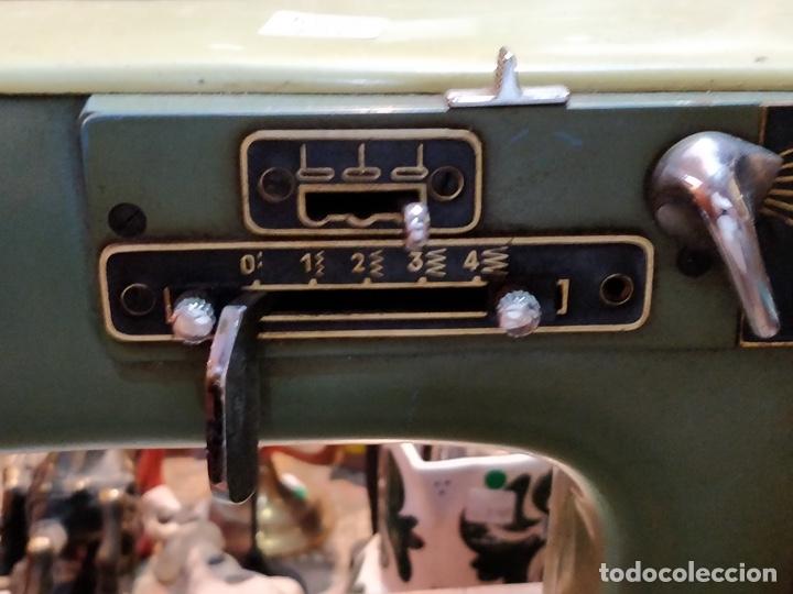 Antigüedades: Máquina de coser ALFA - Alfamatic 103-3- sin motor - Foto 4 - 178441167