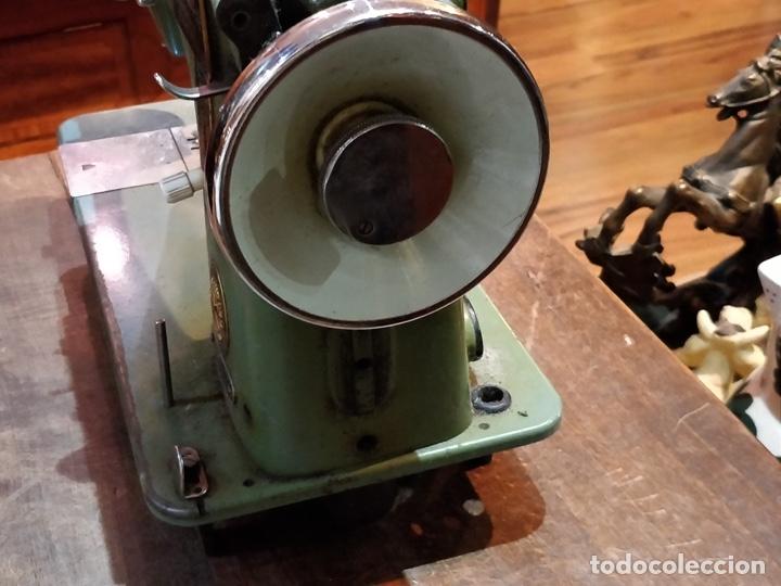 Antigüedades: Máquina de coser ALFA - Alfamatic 103-3- sin motor - Foto 12 - 178441167
