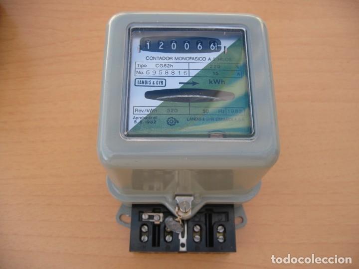 ANTIGUO CONTADOR DE LA LUZ AÑO 81 (Antigüedades - Técnicas - Herramientas Profesionales - Electricidad)