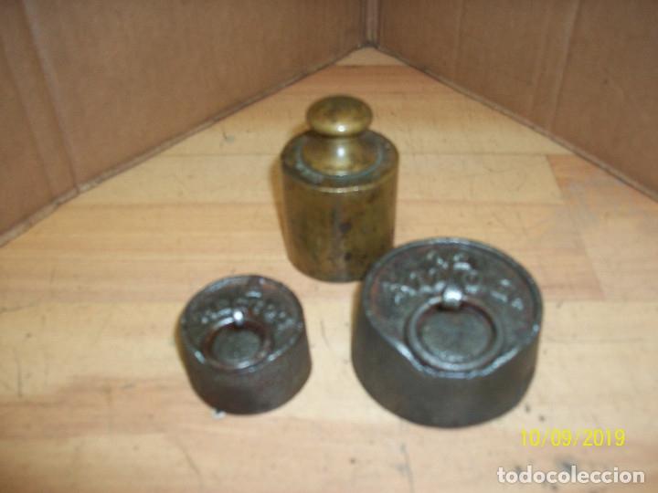 LOTE DE 3 PESAS (Antigüedades - Técnicas - Medidas de Peso Antiguas - Otras)