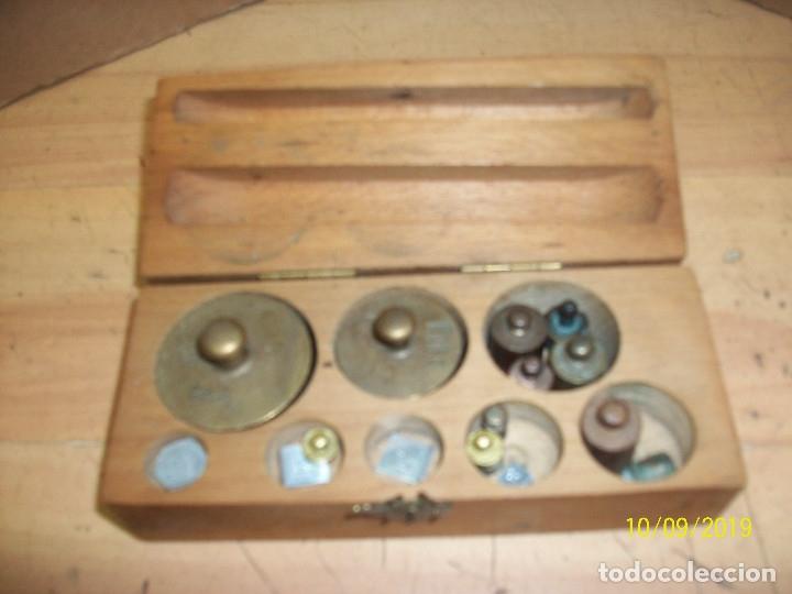 LOTE DE 15 PESAS (Antigüedades - Técnicas - Medidas de Peso Antiguas - Otras)