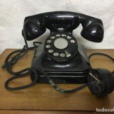 Teléfonos: TELÉFONO DE BAQUELITA DE SOBREMESA. STANDARD ELECTRICA. FABRICADO EN ESPAÑA. . Lote 178861163