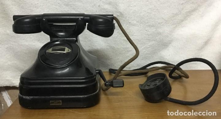 TELÉFONO DE BAQUELITA DE SOBREMESA. A MANIVELA. STANDARD ELÉCTRICA. AÑOS 40. (Antigüedades - Técnicas - Teléfonos Antiguos)