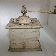 Antigüedades: ANTIGUO Y RÚSTICO MOLINILLO DE CAFÉ COLOR BLANCO DECAPADO.. Lote 178928641