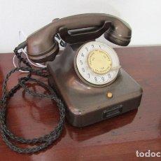 Teléfonos: TELÉFONO DE MESA ALEMÁN ANTIGUO DE BAQUELITA MODELO W38 HECHO EN ALEMANIA A PARTIR FINALES AÑOS 30. Lote 179188476