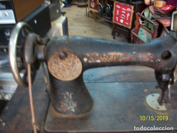 Antigüedades: ANTIGUA MAQUINA DE COSER SINGER-FUNCIONA - Foto 7 - 179247391