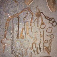 Antigüedades: LOTE DE PIEZAS ANTIGUAS DE FORJA!MUY CURIOSAS!. Lote 179248936