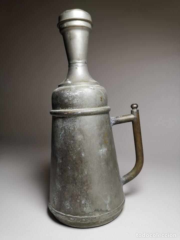 Antigüedades: BARBERÍA JARRA PARA AGUA DE LAVARCABEZAS METAL ALREDEDORES DEL AÑO 1800 BARBERO PELUQUERÍA , - Foto 18 - 179335096