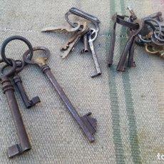 Antigüedades: LOTE DE LLAVES Y LLAVEROS ANTIGUOS. Lote 179381633