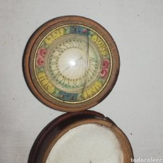 Antigüedades: BRUJULA MUY ANTIGUA. Lote 179384930