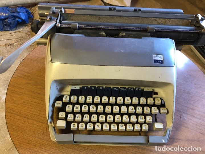 ANTIGUA MAQUINA DE ESCRIBIR ATLANTIDA STYLE (Antigüedades - Técnicas - Máquinas de Escribir Antiguas - Otras)