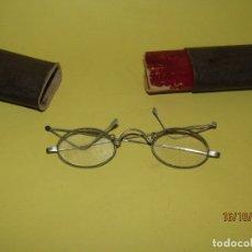 Antigüedades: ANTIGUAS GAFAS ANATÓMICAS CON PATILLAS PLEGABLES - AÑO 1930-40S.. Lote 179534417