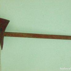 Antigüedades: ANTIGUA GRAN HACHA DE BOMBERO . Lote 179948065