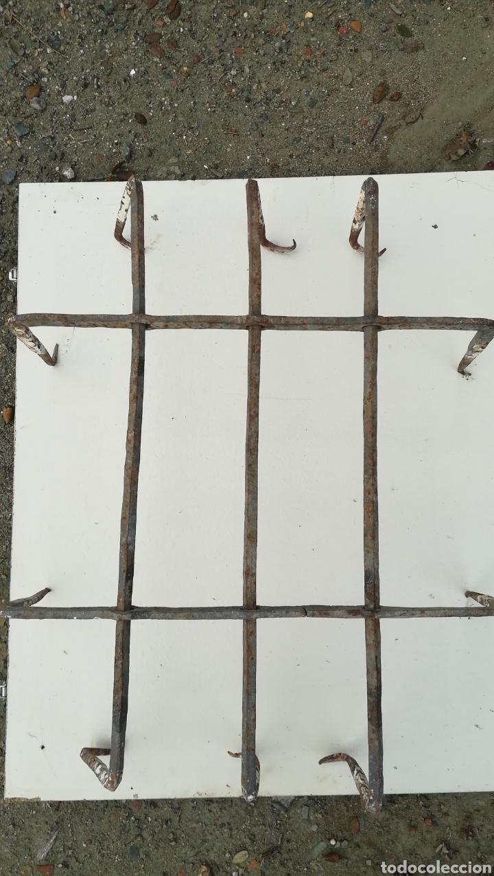 ANTIGUA REJA DE FORJA METAL (Antigüedades - Técnicas - Cerrajería y Forja - Forjas Antiguas)