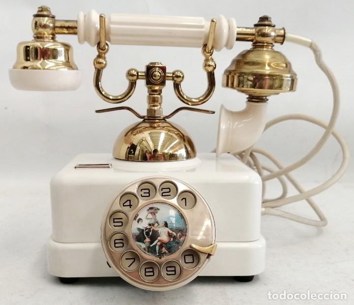 TELÉFONO ELASA FABRICADO PARA LA CTNE. COLOR EN BAQUELITA Y BRONCE-LATON. BUEN ESTADO (Antigüedades - Técnicas - Teléfonos Antiguos)