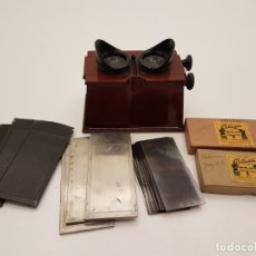 Antigüedades: VISOR ESTEREOSCOPIO PARA FOTOGRAFÍAS EN CAOBA, SIGLO XIX, (VARIOS CRISTALES ANDORRA). Lote 180110591