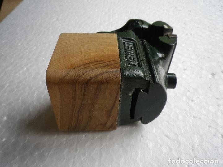 Antigüedades: Tornillo de banco pequeño tamaño - Foto 2 - 180112633