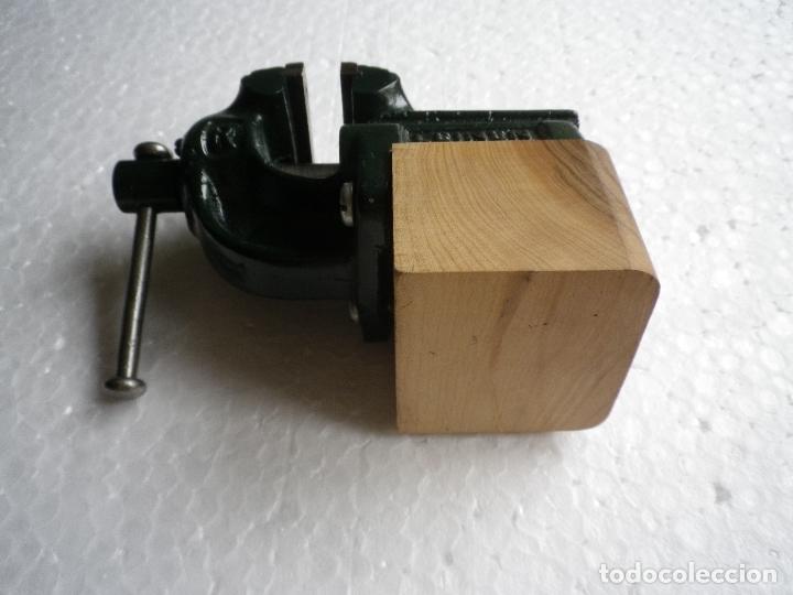 Antigüedades: Tornillo de banco pequeño tamaño - Foto 4 - 180112633