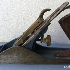 Antigüedades: CEPILLO DE CARPINTERO WHITMORE Nº4, MANGOS DE PLASTICO, CUCHILLA DE 5CM APROX (24CM APROX). Lote 180119462
