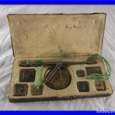 Antigüedades: BALANZA DE ORO ANTIGUA CON PONDERALES S. XIX. Lote 180124888